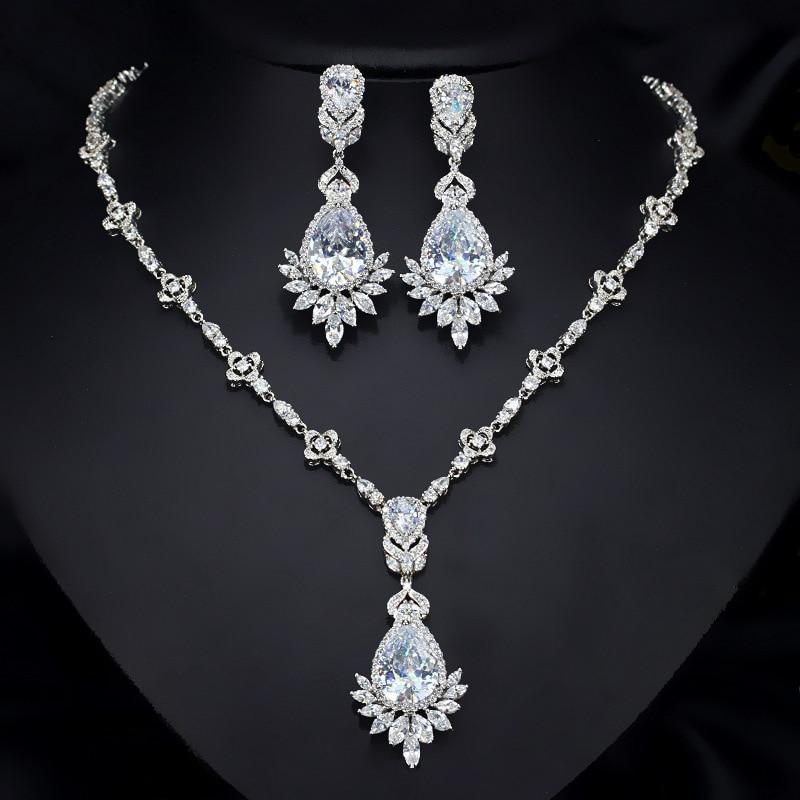 Zircon manche chaîne pour la mariée robe de mariée cuivre plaqué or blanc oreille bijoux ensemble boucle d'oreille collier pendentif M02-T0105