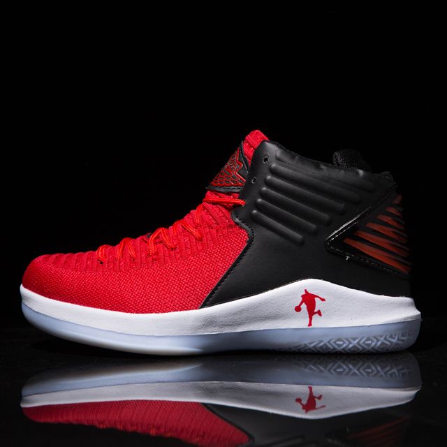 High Top Shockproof Cushioning Lebron James Basketball Lace Up Shoes