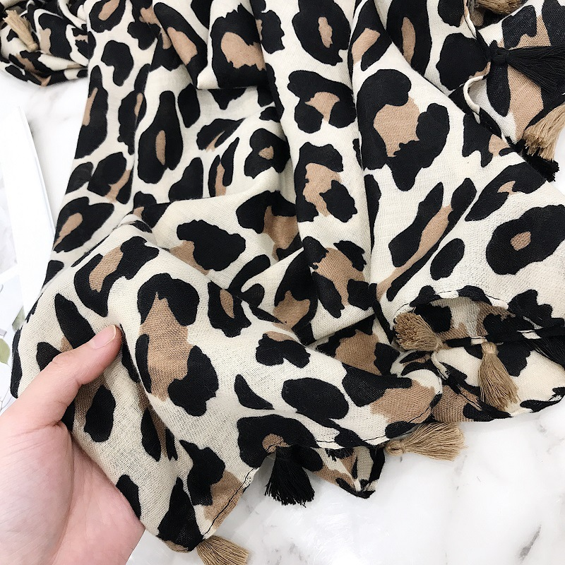 Mode-Design Sexy Leopard Dot Quaste Viskose Schal Schal Hohe Qualität Halstuch Herbst Winter Foulards Moslemisches Hijab Sjaal