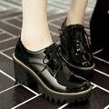 Tamaño 34-43 Negro Cuadrado de Tacón Alto Mujer Botines Zapatos de Las Mujeres de cuero de Patente de LA PU Atan Para Arriba Las Señoras de La Motocicleta botas