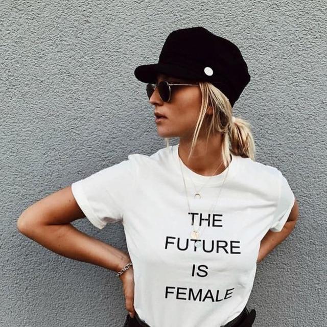 De moda de la calle 2017 sombrero negro casuales de las mujeres planos de  cuerda de c0c91ee6aa9