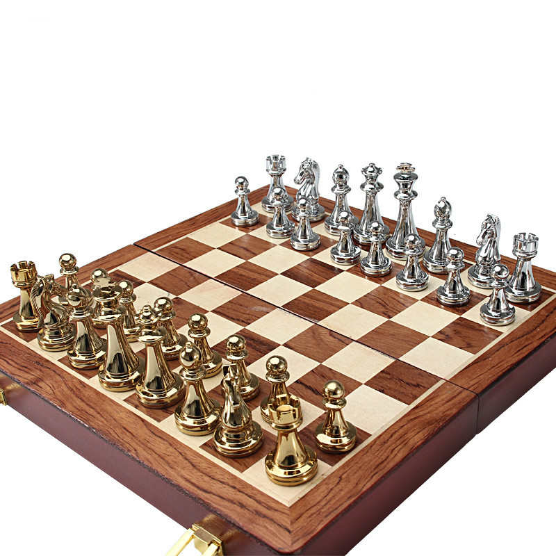 European Chess Zinc Alloy  Simple Gold And Silver Chess Board Chess Set 6.7cm