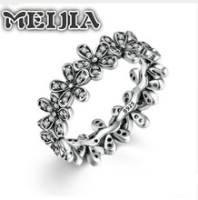 925 Sterling Silver Flowers Finger Fit MEIJIA Rings Dazzling Daisy Meadow Stackable Ring, Clear CZ For Women Wedding Jewelry