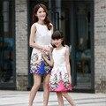 Бесплатная доставка 2016 Новый Мать Дочь Платья Мода Без Рукавов Платье в Полоску Девушки Длинное Платье Семья Соответствующие Наряды