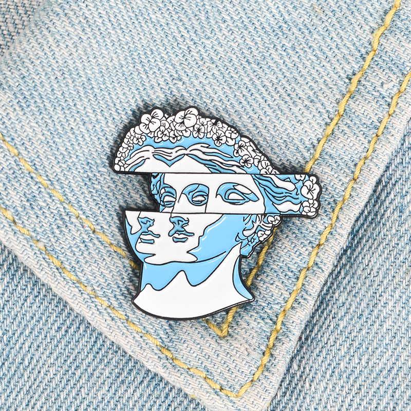 Blue Art ประติมากรรมเข็มกลัดคู่ Misplaced Lady รูปปั้นพวงหรีดผมเคลือบ Pin กระเป๋าเป้สะพายหลัง Coat Lapel Badge ศิลปินเพื่อนของขวัญ