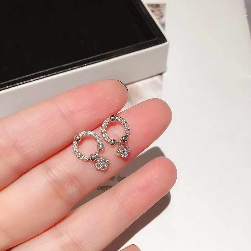 Délicates petites boucles d'oreilles trèfle Micro pavé cubique zircone boucles d'oreilles pour femmes filles mode goujons bijoux