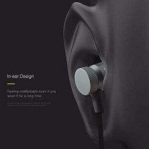 Image 4 - Наушники вкладыши Awei с микрофоном, проводные металлические стереонаушники с микрофоном и супербасами, наушники для iPhone, Samsung, Xiaomi