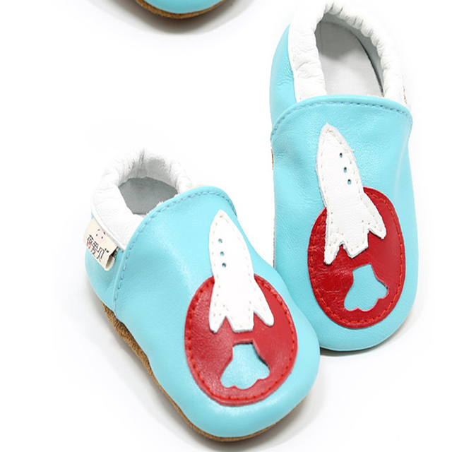 Autumn New Arrival Newborn Baby Genuine Leather Wholesale Soft Soled Blue Cartoon Printing Slip on Fashion Infants First Walker