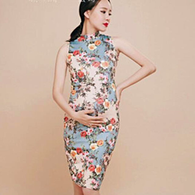 ce1a868b843 Maternity Dress For Photo Shoot Flowers Chinese style Sleeveless Cheongsam Maternity  Photography Props Pregnancy Dress 2018