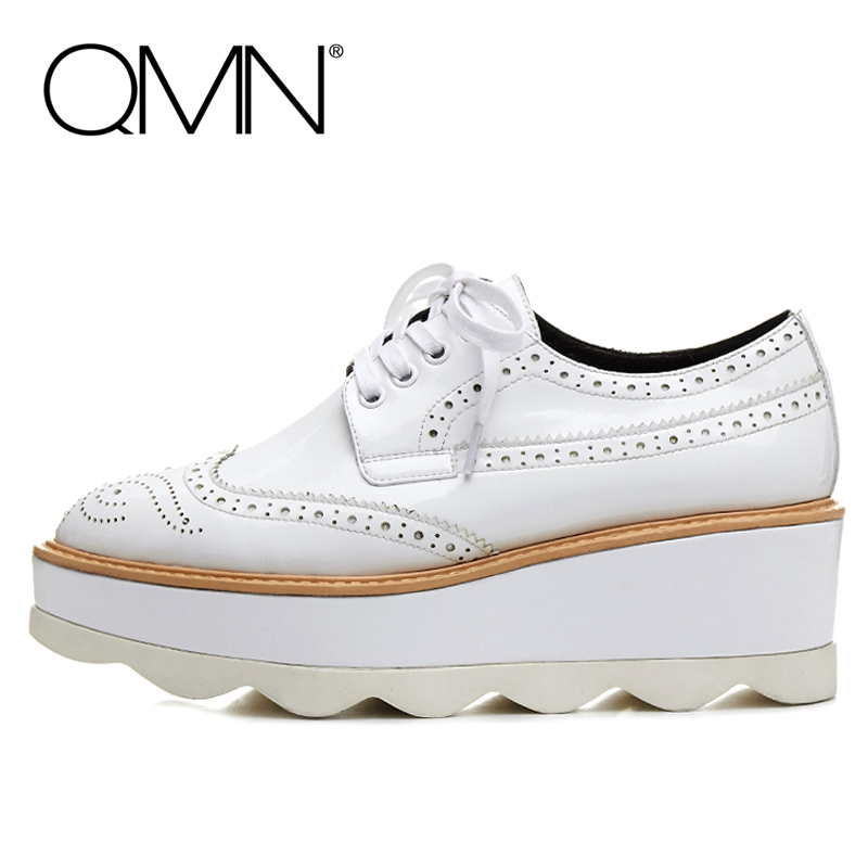 QMN women genuine leather platform flats Women Laser Cut Patent Leather Brogue Shoes Woman Oxfords Lace Up Leisure Shoes 34-39 qmn women brushed leather platform brogue shoes women round toe lace up oxfords flat casual shoes woman genuine leather flats