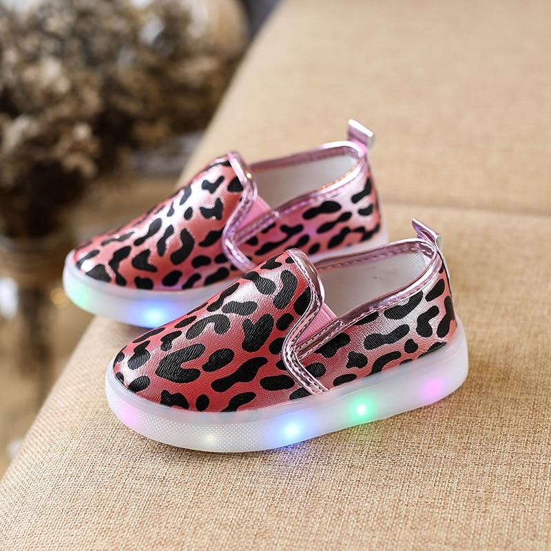 2017 new children's shoes children's leopard casual shoes men and women fashion cute LED lights color casual shoes size 21-30