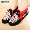 New 2017 Spring Women Flats Chinese Style Ladies Flat Shoes Embroidered Canvas Shoes Plimsolls Flower Female Footwear SNE-430