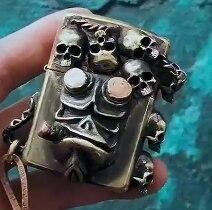 watch video  SDGZ brass handmade steampunk double side 3D skull lighter gear linkage old retro zpo