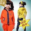 Мода детская Одежда Набор для Мальчиков Девочек Осень Джинсовой Патч Куртка + Брюки Спортивный Костюм Детская Одежда Набор