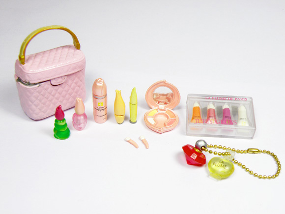 G07-X177 children baby gift Toy 1:12 Dollhouse mini Furniture Miniature rement Doll accessories Princess Cosmetic Bag set