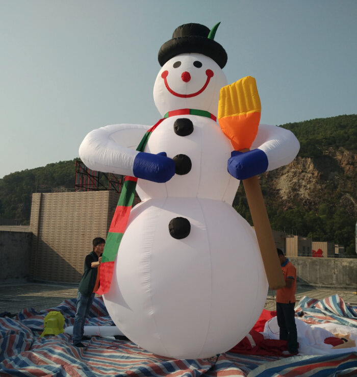 Hot Sell Giant 5m Christmas Inflatable Snowman For