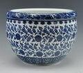 Reprodução chinês antigo azul e branco da porcelana vaso de flores de cerâmica bacia dos peixes com Qing Qianlong marca