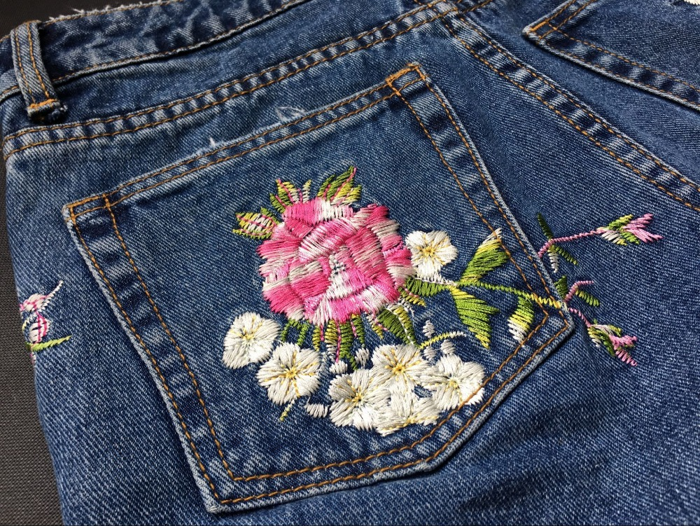 2017 Europe and the United States women's three-dimensional 3D heavy craft bird flowers before and after embroidery high waist Slim straight jeans large code system 46 yards (33)