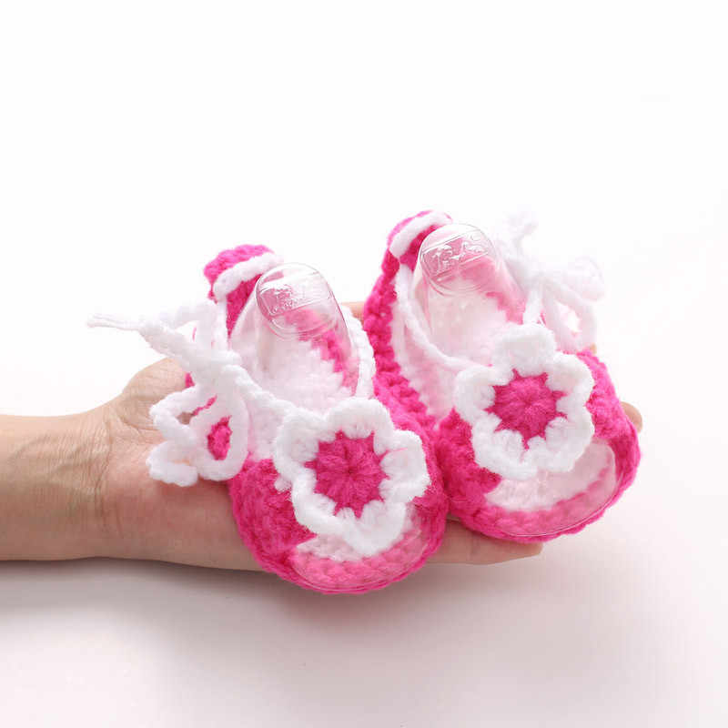 2018 Cute First Walkers Crib Crochet Flower Casual Handmade Knit Woolen Baby Moccasins Baby Shoes Sapatos Infantil Menina Menino