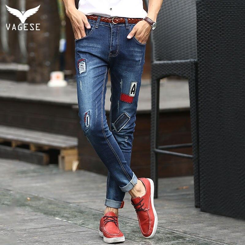 3cb0856681 Nueva Moda VAGESE dark blue Men Biker Jeans Rasgados Agujero Robin Parches  carta patchwork Harem jeans para hombres Pantalones de Mezclilla en  Pantalones ...