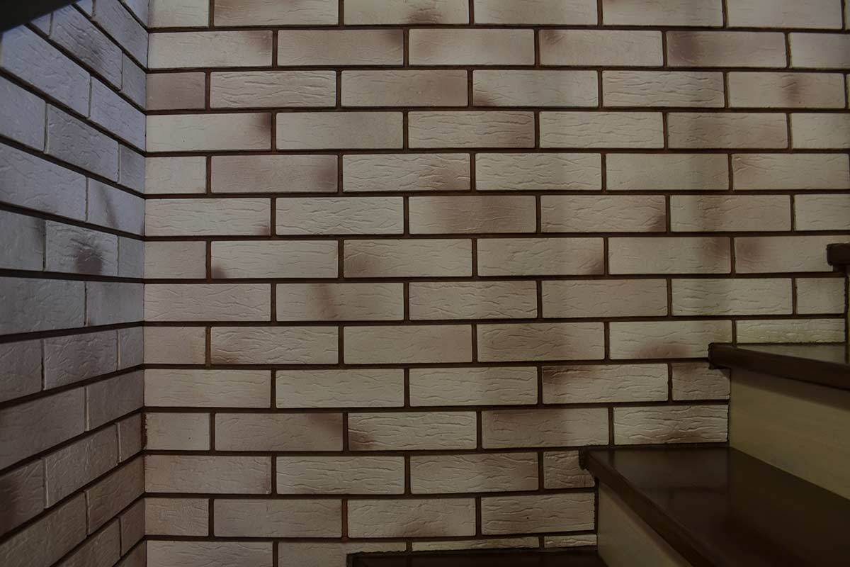 Antique brick tile beautiful big tree tile wood brick for Balcony wall tiles