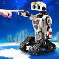 710 шт. RC робот 2-в-1 преобразования Скорпион строительные блоки литиевая батарея двигателя стрелкой пуля относится к лего кирпича подарок для...
