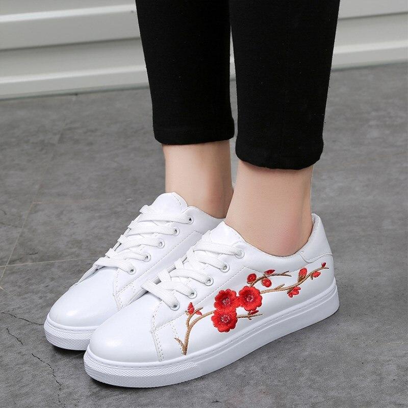 Blanc Pu Doux Dentelle Plat Respirant B En up Femelles Femmes Fleurs a Cuir Mocassins Casual Chaussures Broderie Étudiants Femme c tYOwPS