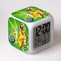 Pikachu Charmander Pokemon IR e da Copa Do Mundo de LED 7 Cores alterar despertador digital termômetro toque luz brinquedos eletrônicos