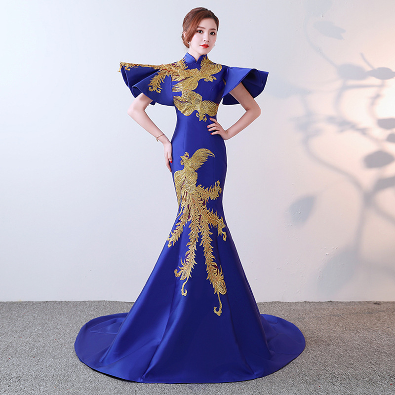 Luxury Blue Evening Gowns With Floor Length Shawl Mermaid Traditional Party Dresses Vintage Embroidery Chinese Wedding