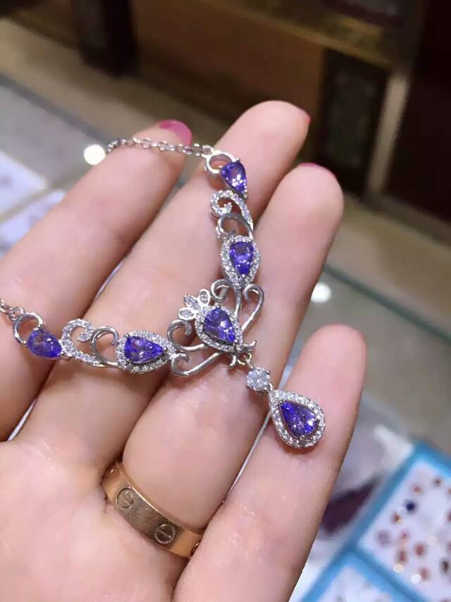Natural blue tanzanite Necklace Natural Gemstone Pendant Necklace 925 sliver women Luxury trendy Crown women party fine JewelryNatural blue tanzanite Necklace Natural Gemstone Pendant Necklace 925 sliver women Luxury trendy Crown women party fine Jewelry