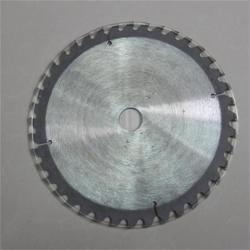 40T TCT SAW BLADE FIERCE STEEL 9 X 2MM X1 6500RPM FOR HONDA GX35 & MORE BRUSHCUTTER WOOD CUTTING ALLOY HARD CARBIDE BLADES 10 60 teeth wood t c t circular saw blade nwc106f global free shipping 250mm carbide cutting wheel same with freud or haupt