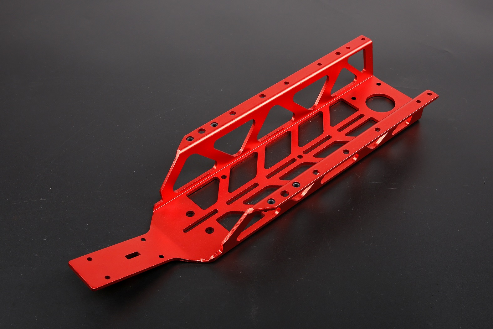 ROVAN 1/5 RC Car Upgrade Parts Baja CNC Steal Light Hollow Chassis Main Frame Chassis For HPI KM Baja 5B SS 5T 5SC baja metal parts new cnc alloy clutch carrier 1 5 rovan hpi km baja 26 29 30 5cc rc car engine parts