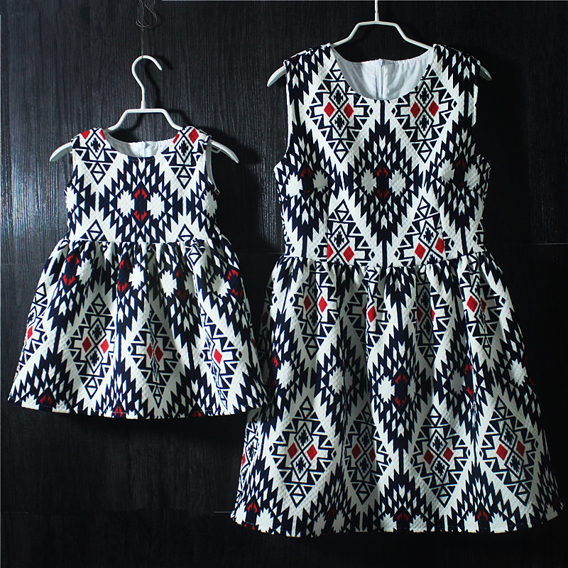 Brand argyle print pleated Sleeveless skirts mother and daughter vacation holiday dress family look girls and mother sundresses brand a line floral embroidery pleated sleeveless skirts women girl sundresses family matching clothes mother and daughter dress
