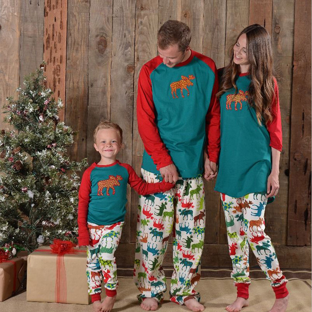 390bd8f1e2 Family look Christmas pjs family father son mother daughter pajamas set matching  family Xmas outfits moose sleepwer pyjamas sale