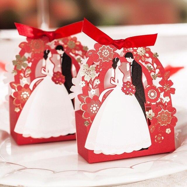 Elegancki papier dekoracyjny prezent pudełko kwiat laserowo wycinane pudełko cukierków ślubnych 50 sztuk panna młoda i pan młody pudełka na upominki weselne na czekoladki