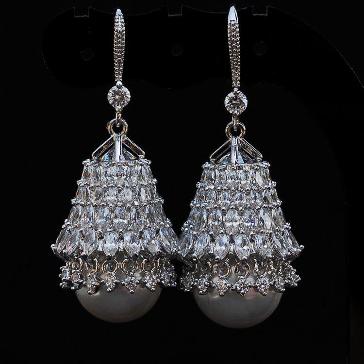 XIFAN luxurious crystal earrings vintage pearl earrings with big pearl earring long for women