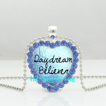 New Daydream Believer Crystal Heart Necklace Dream Quote Jewelry Glass Cabochon Crystal Necklace Novel Heart Pendant HZ6 image