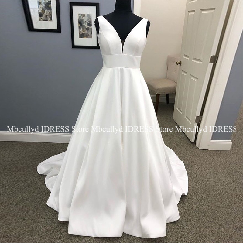 White A-line Wedding Dresses 2019 Sexy V Neck Luxury Zipper Covered Button Train Bride Dress Long Plus Size Vetidos De Novia