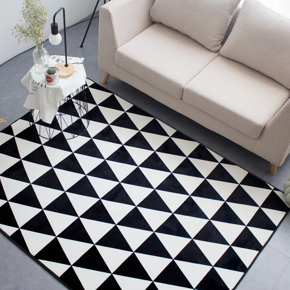 Black And White Triangle Pattern Print Rectangle Doormat