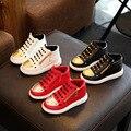 Мода Унисекс Boy Девушки Кроссовки Золотой Цвет Круглый Дизайн Ног Заклепки Шипованных Высокие Лучших Стиль Детская Обувь Черный Белый Красный