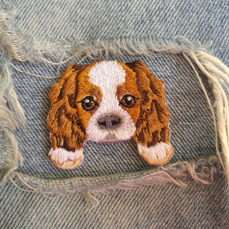 1 PIC 4.0*3.6CM Embroidered Cloth Computer Embroidery Chapter CAVALIERKINGCHARLESSPANIRL DOG Badge Pocket Dress Decorative Patch