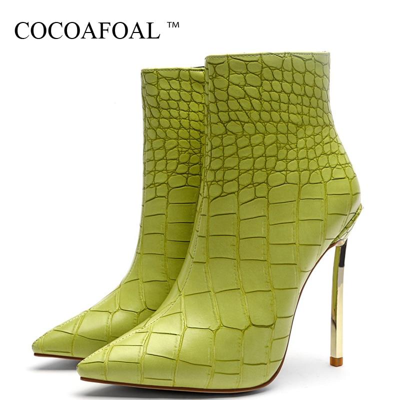 200ce7f46b COCOAFOAL-Oto-o-Invierno-mujeres-tobillo-botas -mujer-tacones-altos-zapatos-Metal-decoraci-n-verde-Martin.jpg