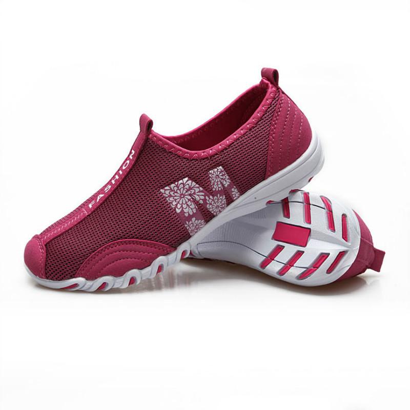 Prix pour Été En Plein Air Femmes Chaussures de Course de Femmes Sneakers Super Léger Chaussures de Sport Respirant Chaussures de Jogging Chaussures de Marche