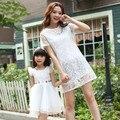 2017 verano estilo de madre e hija vestidos mujer niñas Organza de encaje a juego vestido de la madre y la hija ropa de mirada de la familia