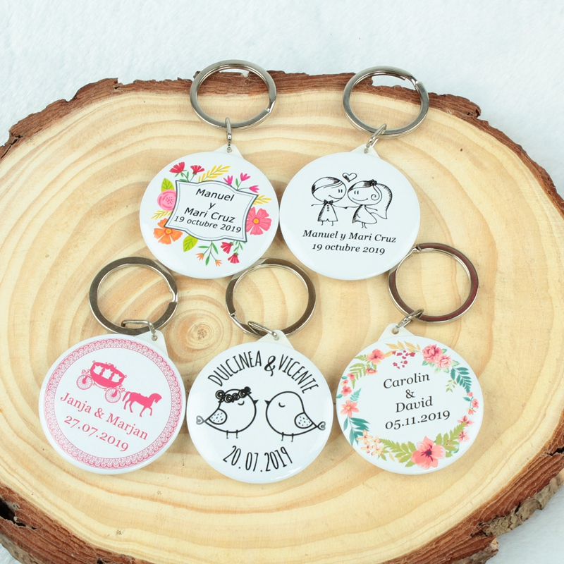 Personalised wedding gift custom name date keychain with Bottle Opener birtday Engagement Party wedding favors and gifts