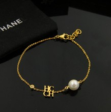 Free shipping fashion 2016 stainless steel white color pearl chhc letter braelet