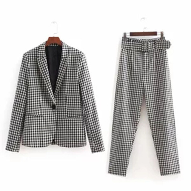 long sleeves one button blazer and high waist straight casual pants