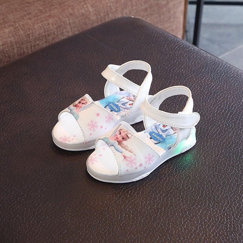 2019 New Fashion Elsa And Anna Girls Sandals With LED Light Princess Beach Shoe Kids Soft Flash Luminous Shoes Europe Size 21-30