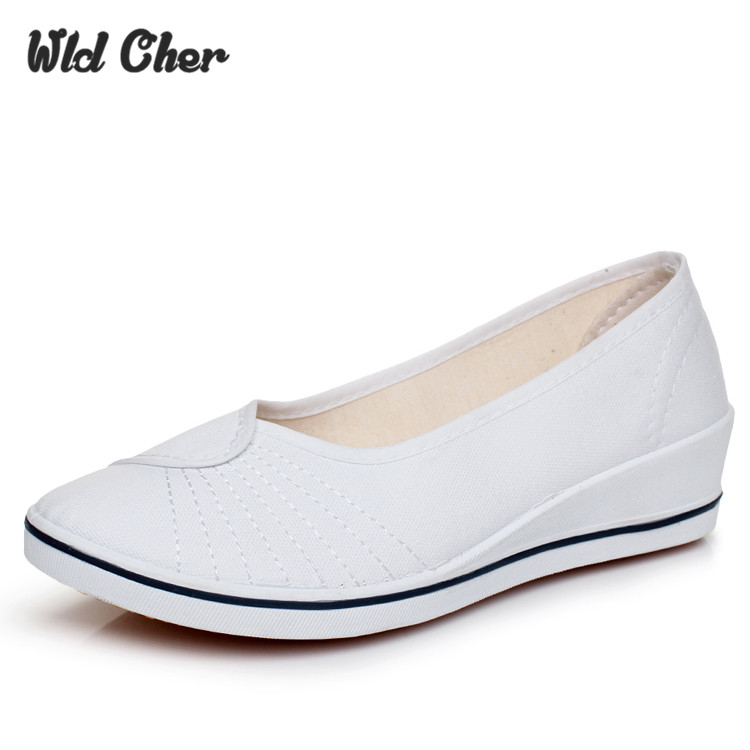 New Flats Women Nurse Shoes 2017 Ladies Shoes Womens Flats Loafers Shoes For Women Soft Sole Fashion Brand Plus Size White Black flat shoes women pu leather women s loafers 2016 spring summer new ladies shoes flats womens mocassin plus size jan6