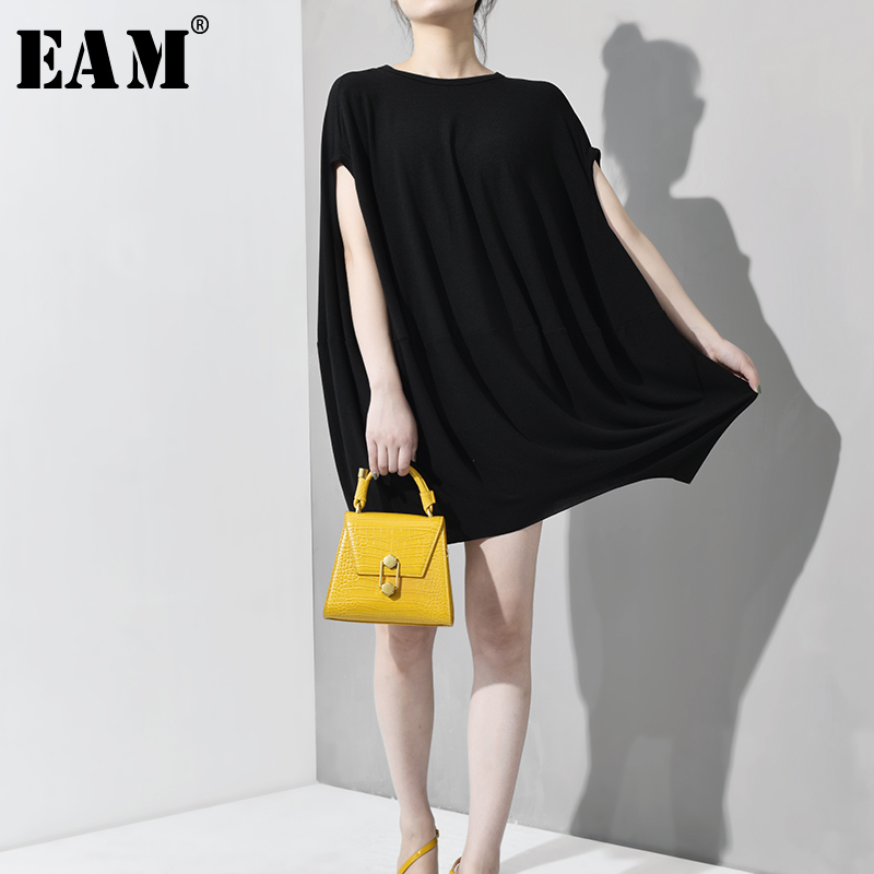[EAM] 2020 New Spring Summer Round Neck Sleeveless Black Loose Big Size Temperament Cloak T-shirt Women Fashion Tide JT5280